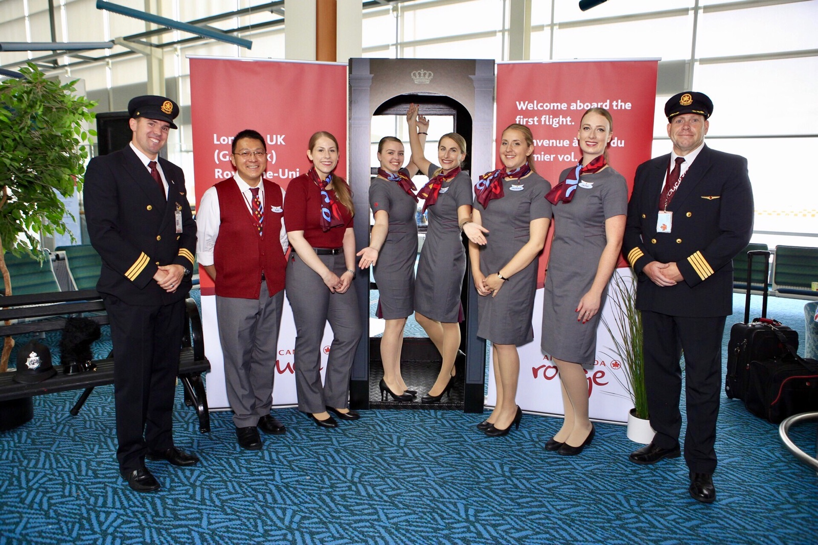 Photo of Air Canada Rouge Flight Crew